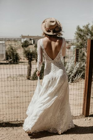 Fall-in-Love-with-Victoria-Dream-Bohemian-Lace-Wedding-Dress-with-Long-Sleeves-Backless