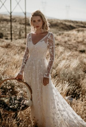 ZINNIA LACE WEDDING DRESS - Long Sleeves with Flowy Skirt
