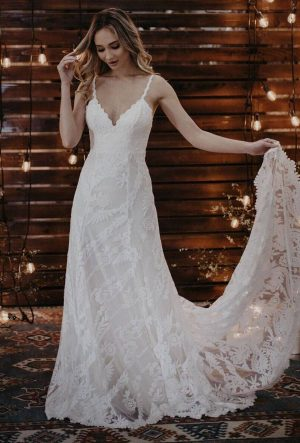GENEVA SIMPLE LACE WEDDING DRESS - Backless with Long Sleeves