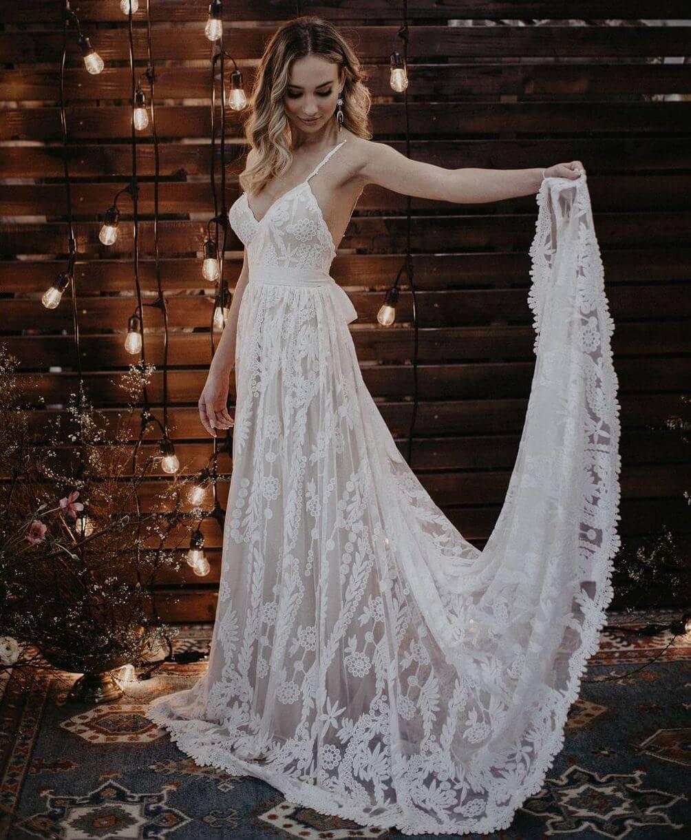 Portia Romantic Flowy Wedding Dress