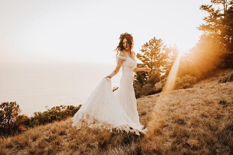 outdoor-big-sur-mountain-wedding-dress