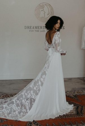 SAVANNAH RUSTIC LACE WEDDING DRESS