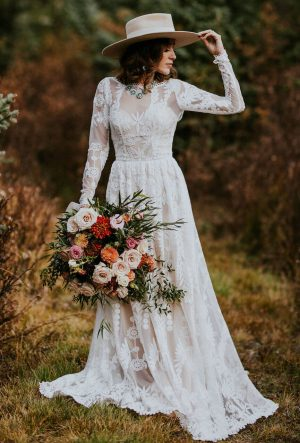 Simone Flowy Long Sleeves Lace Wedding Dress